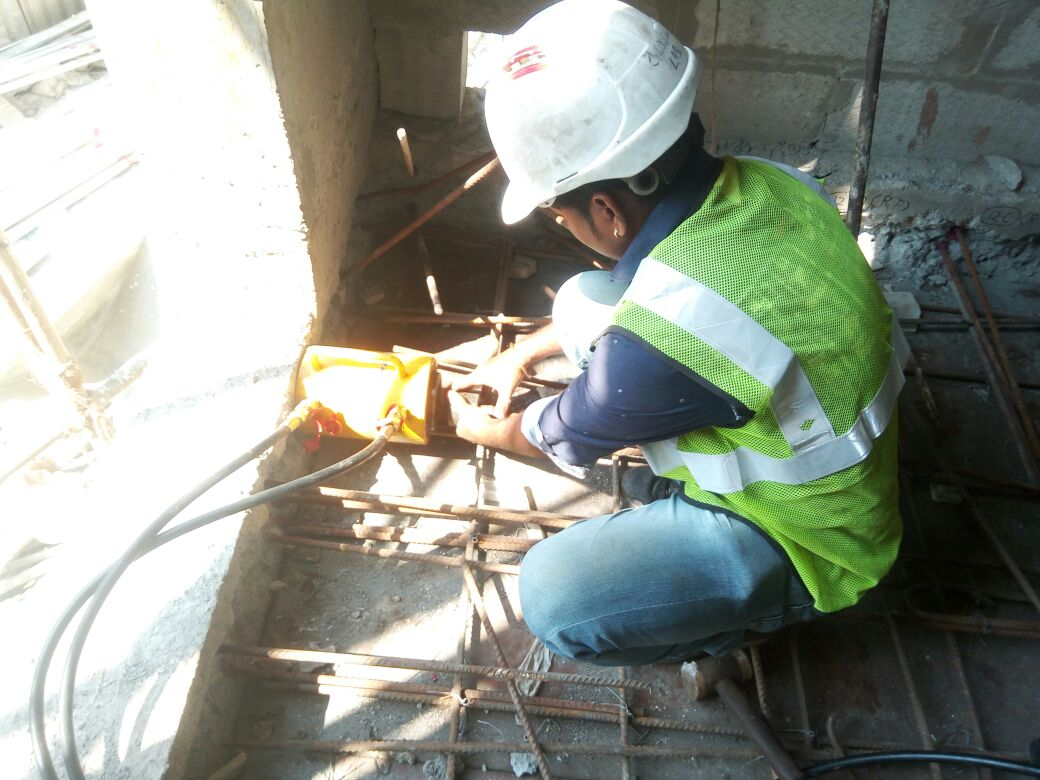 REBAR PULL OUT TEST